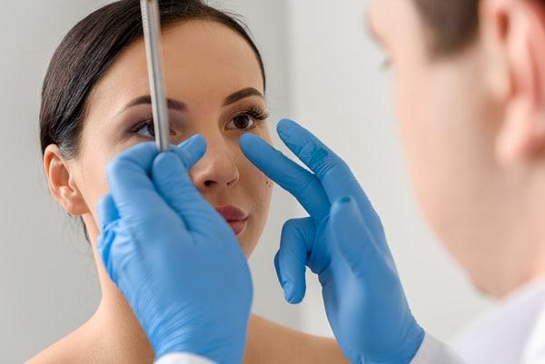 Prix de l'opération du nez : ce qu'il faut savoir
